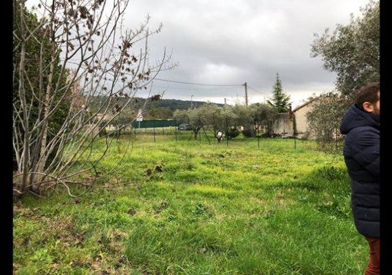 De belles estimations en cours de rédaction pour l'agence : une belle maison sur Carry, un terrain constructible de 1400m2 sur le village d'Eguilles et une maison-appartement sur Venelles de 75m2.