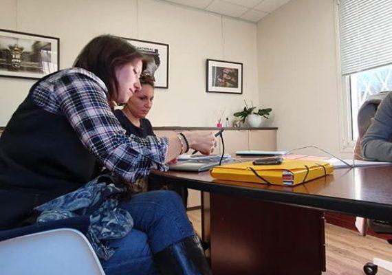 Jessica, notre collaboratrice, signe aujourd'hui l'achat de sa nouvelle acquisition à la Treille. Félicitations ???. Nous lui souhaitons beaucoup de bonheur dans cette nouvelle maison