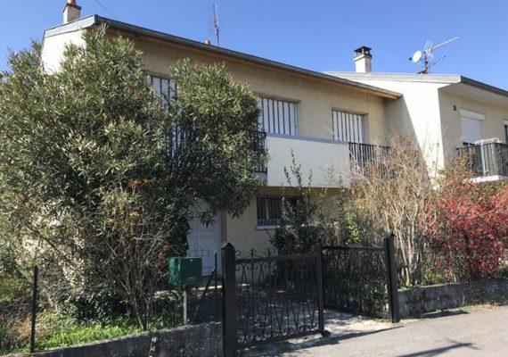 Quartier résidentiel – Maison d'habitation en excellent état récemment rénovée de 83m² habitables environ