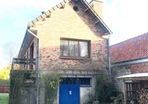 A5806 – À 4 km d'Aubigny-en-Artois – Belle maison individuelle sur 520 m² – Cuisine équipée, sous-sol complet avec garage 3 voitures, beau jardin clos (exposé sud).