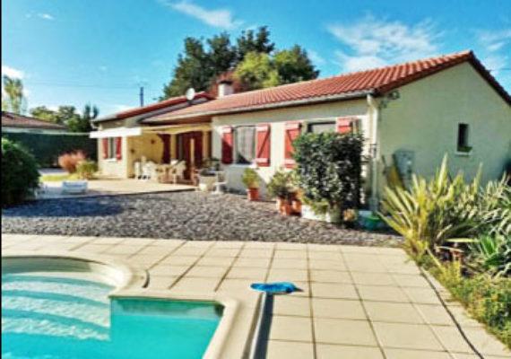 ❤️Maison indépendante 116m2 avec piscine et garage 54m2 sur un joli jardin paysager 2 500m2Garage non-attenant 54m2 (potentiel pour être aménagé en studio ou petit appartement).