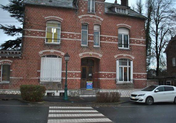 Maison Avesnoise vendue grâce au professionnalisme d'Elodie notre conseillère en immobilier .