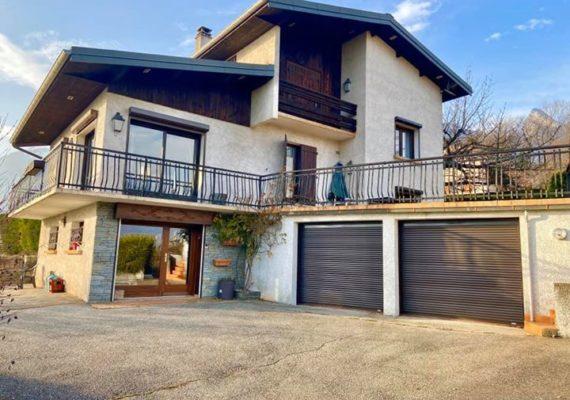 Baobab vous propose en exclusivité cette maison située à Mercury au tarif de 416 600€ (honoraires baobab de 6600€ inclus)