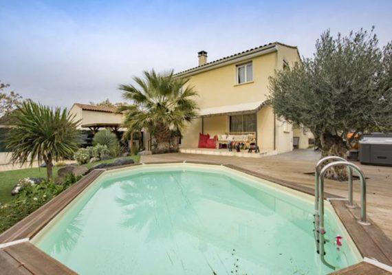 Trés belle villa sur pezenas 145m2 habitable sur un terrain arboré et fleuri de plus de 500m2