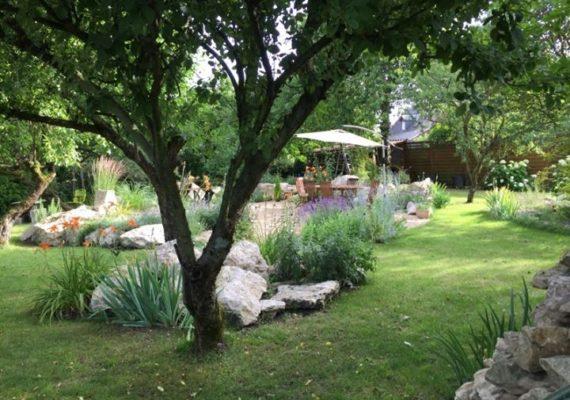 Découvrez cette maison pleine de charme à Mehun-Sur-Yèvre, Centre, France !
