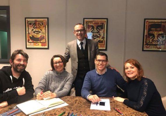 Olivier Venet en #signature chez le #notaire ! #clients satisfaits avec de beaux #sourires ! #immo7 . En 2020, demandez nous l'impossible, nous le rendrons possible !