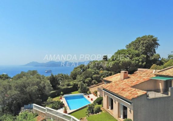 https://www.amandaproperties.fr/fr/annonces/vente-villa-6-pieces-cannes-06400-3420428/
