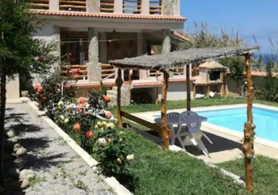 Larhat,à vendre villa en bord de mer avec piscine sur un terrain de 500 m².