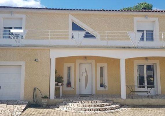 A LEZOUX, belle villa avec dépendance!