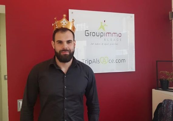 Ce matin c'était Galette des rois chez Groupimmo Colmar! Et c'est notre nouveau collaborateur Lionel qui a trouvé la fève!