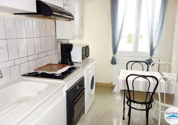 Nouvelle vente de votre agence GUY HOQUET avec cet appartement en plein centre de Feurs !