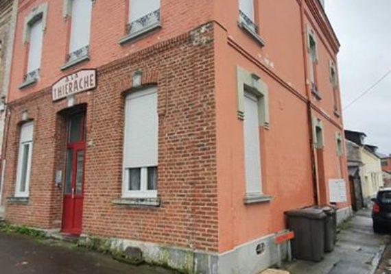 Studio meublé Fourmies centre ville comprenant : cuisine équipée/séjour/chambre, SdB/WC, chauffage électrique.