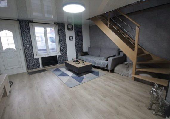 Maison entièrement refaite en 2019 sur oye plage centre ! 2 chambres, un garage et un grand jardin à 149 500 €
