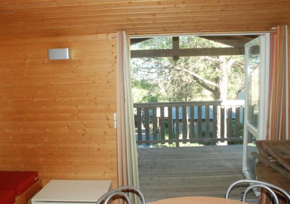 Chalet tout équipé de 35m² avec une terrasse de 15m² à découvrir chez nous !