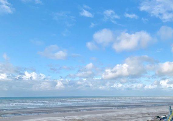 Découvrez ce T2 à la vue fabuleuse et panoramique sur la mer !