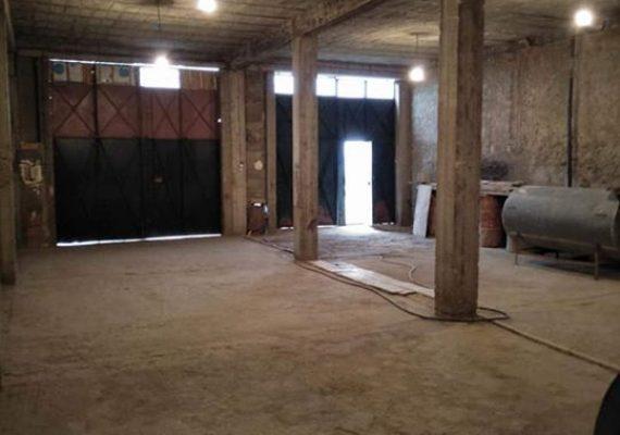 سكن بعقد رسمي مساحته 200 م2 يحتوي على طابق ارضي وطابق علوي يقع بسيدي امحمد بن علي ولاية غليزان