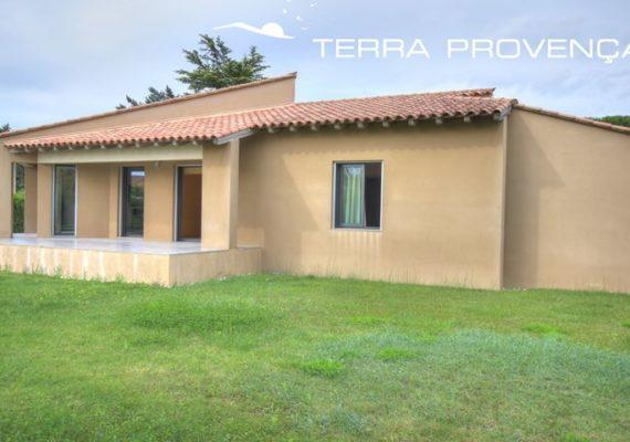 Villa 140 m² habitable, 3 chambres, 1 100 m² clôturé.
