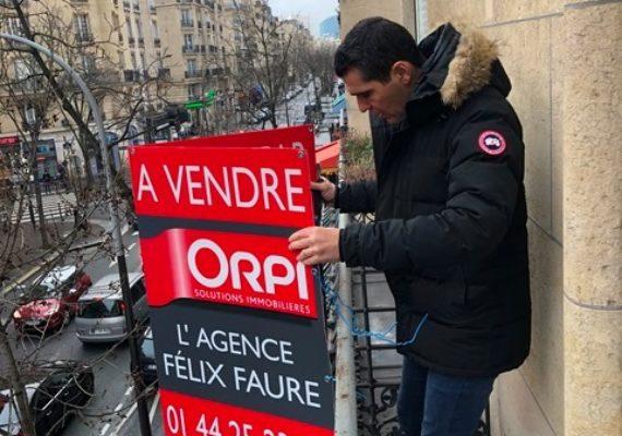 Première journée de l'année qui commence bien avec la pose de nos nouveaux panneaux #ORPI sur l'avenue #FélixFaure !