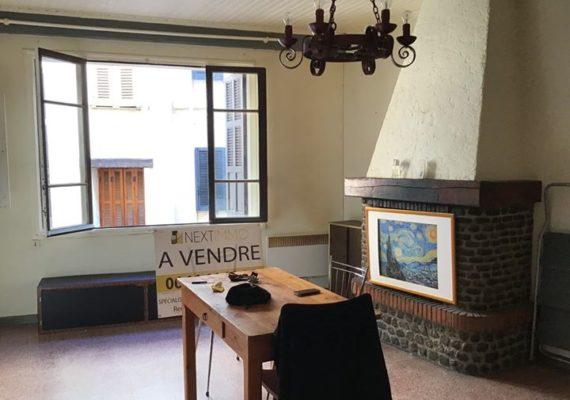? Notre Agence vous propose à la vente cet appartement en très bon état de 2 pièces situé à Saint-Martin-Vésubie ?