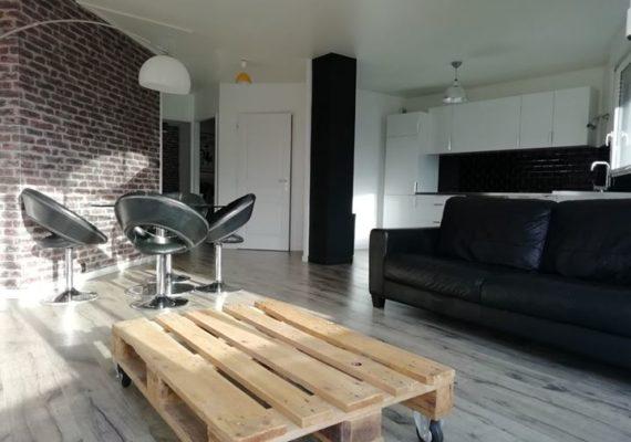 VENDU en seulement quelques jours par DAVID DROUET IMMOBILIER et IMMO EN SCENE sur Rouen Conservatoire ce très bel appartement T2 avec balcon, vue dégagée et garage privatif !
