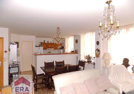 A SAINT OMER – APPARTEMENT AU REZ DE CHAUSSEE – 3 CHAMBRES – PLACE DE PARKING – CAVE – 168 000 € H.A.I