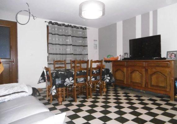 ERA Immobilier vous propose en EXCLUSIVITE cette maison en centre ville à Saint Omer environ 109 m2.
