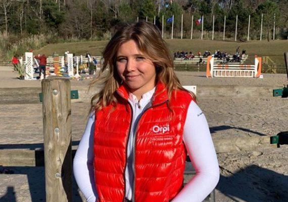 L'agence Tyrosse immobilier est heureuse et fière de soutenir Solène Hugounenq jeune cavalière de CSO amateur dans son projet sportif pour la deuxième année consécutive!