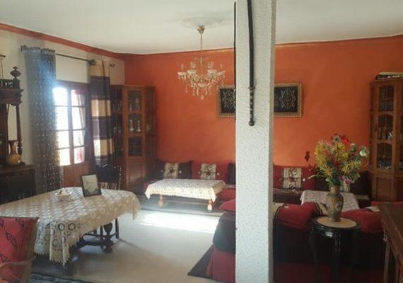 Agence immobilière Tiaret met une villa pour location r+2 garage. Local (diar chemesse)pour société.