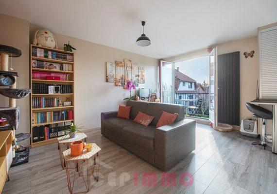 Appartement 2 Pièces de 41m2 avec balcon exposition plein sud à 2 min à pieds du centre ville de Chennevières-sur-Marne et de toute ses commodités.