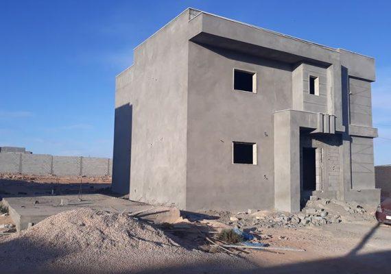منزلين نصف تشطيب بطريق المطار مساحة كل منزل 220متر2 للدور الاول و 165متر2 للدور الثاني ومساحة الارض 500 متر2 لكل منزل