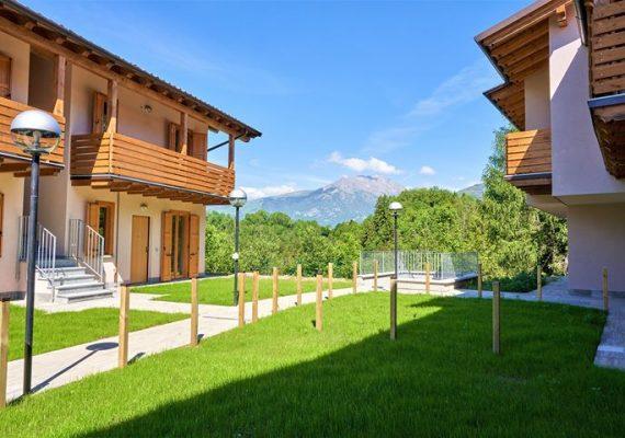 🏠🌼 Le residenze «Il Poggio Fiorito» sono spaziosi villini ed appartamenti in Val Seriana.