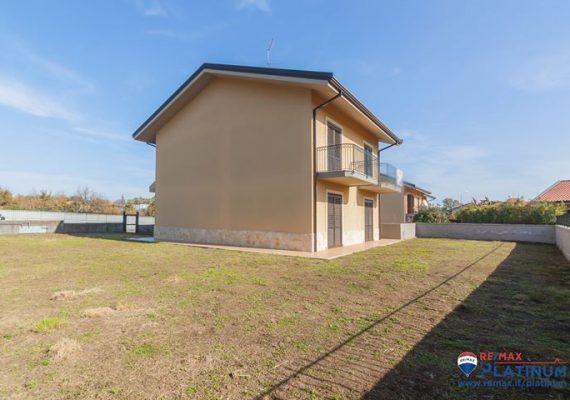 🏘 Valverde Nuova Villa Singola 6 vani oltre Taverna, Garage, Giardino.