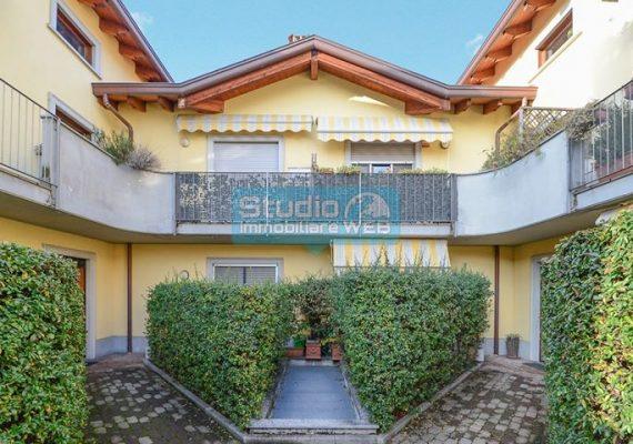 📌 PONTE LAMBRO – Trilocale di 70 mq con balcone, BOX e cantina – € 119.000,00 ✅