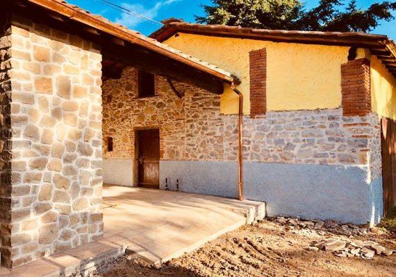 Prisnedsættelse på lækker ejendom – netop renoveret med de bedste materialer og god stil.