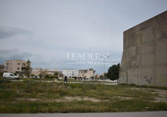 En vente chez notre agence #LEADERS_IMMO un superbe #terrain commercial sur deux façades dans un emplacement idéal à #Borj_Cedria.