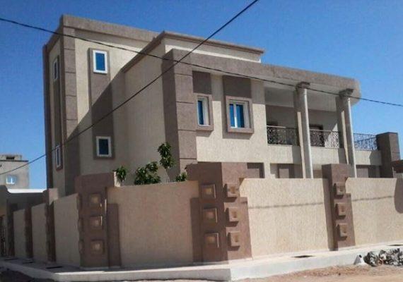 منزل للبيع بطريق الرشادة بالقرب من الطريق الحزامية يفتح على شارعين