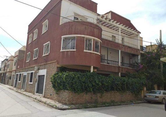 Un membre #vend une #villa de 360 m² à #medina_mounaouara #sidi_bel_abbes