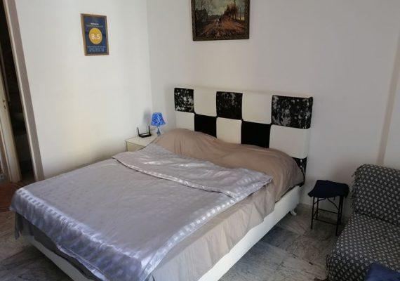 Location studio richement meublé à Tunis route la marsa par nuitée hygiene garantit chauffage central climatisation près de toutes les commodités tel 0021655060253