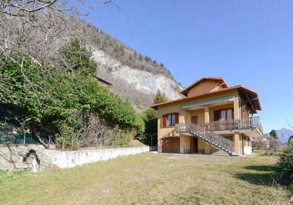 📌 CASLINO D'ERBA – Villetta singola con terreno pianeggiante di proprietà – € 210.000,00 ✅