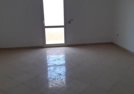 A vendre un appartement s+2 a tantana presque 150 metre de la plage titre bleu situé au 2 eme etage surface 105 m2
