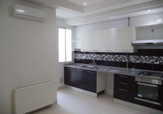 A louer un appartement S3 de haut standing au RDC dans une résidence r+3 , calme et sécurisée à la marsa .