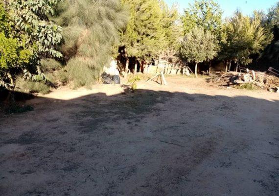 قطعة أرض بها منزل قريبه من القطران سمافروا النقل الثقيل🚙: