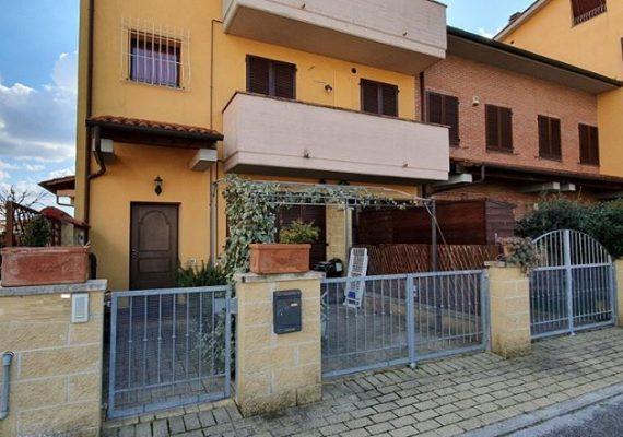 🏠🏠🏠 OCCASIONE a PONSACCO! Abitazione indipendente con resede privato e garage! 🏠🏠🏠