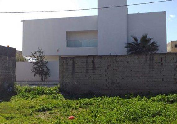 Casa_imed_bizerte vous donne la chance d'avoir un superbe terrain situé à cité El Ghazela – Ariana ✅ Superficie : 350 m² à 670 dt /m² ☎️ Contactez-nous sur le : 28 910 816