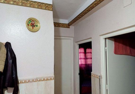 Notre agence «EL YANIS» met en vente un appartement f3 de 68m² au 5ém etage situé a la cité matri de remchi