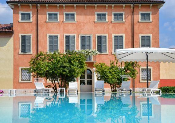 Meravigliosa villa con parco e piscina alle porte di Verona!
