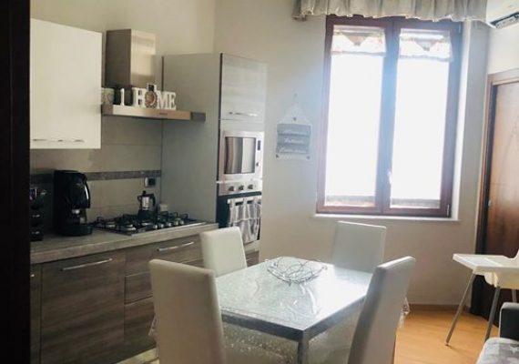 La keym immobiliare dispone in fitto un appartamento in ottime condizioni a Qualiano, zona centrale, composto da cucina abitabile 2 camere da letto e bagno.