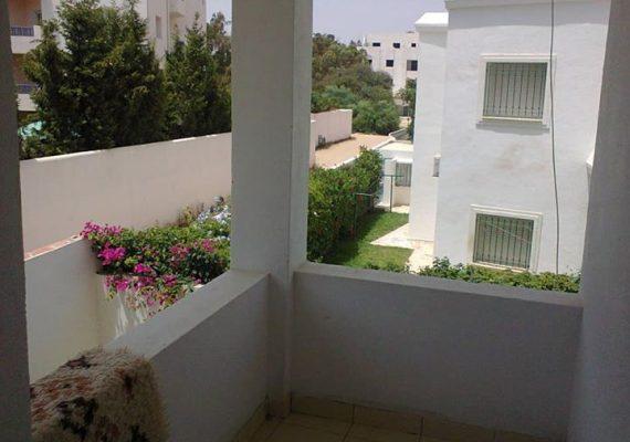A vendre à Yasmine hammamet dans une résidence gardée à 100 m de Carthage Land un immeuble composé d un duplex s+4, un appartement s+ 1 et un studio. Pour plus d'infos Contactez 98772932