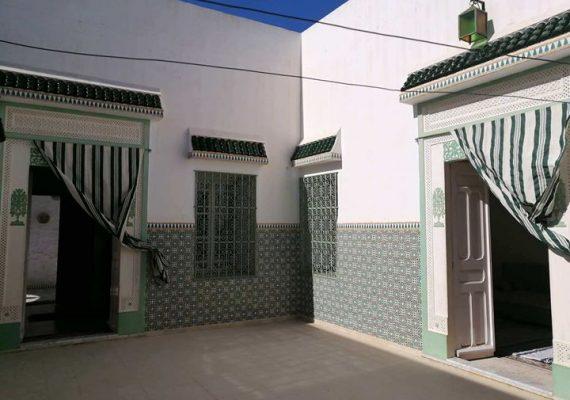 A vendre belle villa style arabesque proche de toute la commodité à Hammamet cv