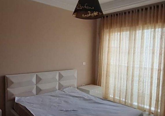 On vous propose un bel appartement qui se compose d'un salon avec un balcon, un séjour, une cuisine équipée, une salle d'eau invités avec une douche, deux chambres a coucher et une suite parentale.